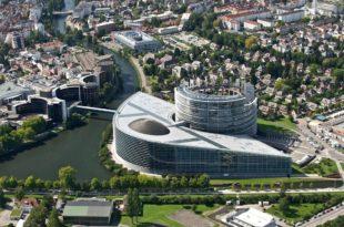 Посланици Европског парламента због забрињавајуће ситуације у Србији писали европском комесару
