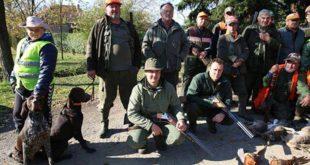 БАНАТ У ЧУДУ: Ловац одстрелио ретку животињу, ловци кажу да се овако нешто не памти 13