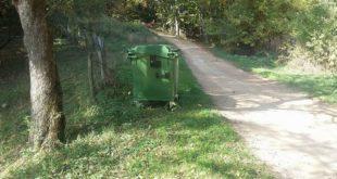 Деспотавац: У селу Липовица поставили контејнере за смеће, сељаци у чуду 6