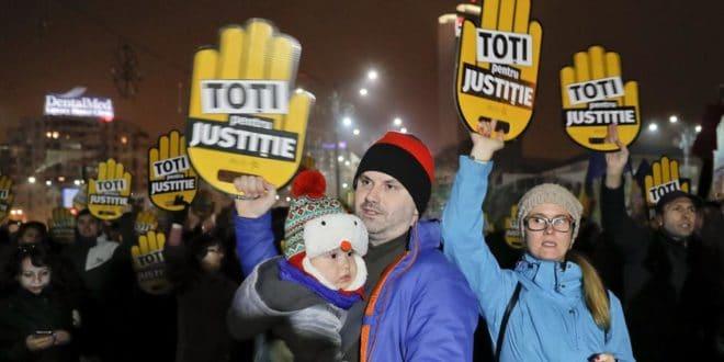 Румунија: Масовни протести у Букурешту и седамдесетак других градова против пореских и правосудних реформи