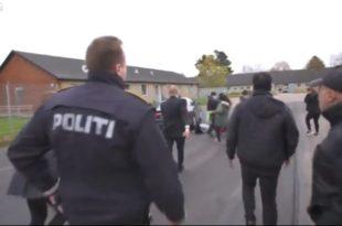 Данска: Министарка за миграцију прегазила мигранта колима (видео)