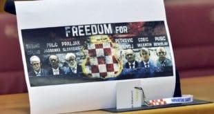 ШОК У ХРВАТСКОЈ! Једина злочиначка творевина у ЕУ је Хрватска! ХАОС У САБОРУ! (видео) 11