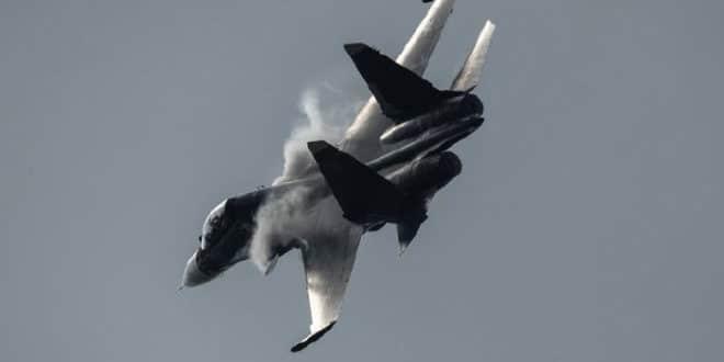Руски ловац Сухој Су-30 најурио амерички П-8А авион из Црног мора 1