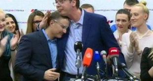 Вучић није смео да отресе слинавог који је сам поднео оставку на место председника ГО Београда