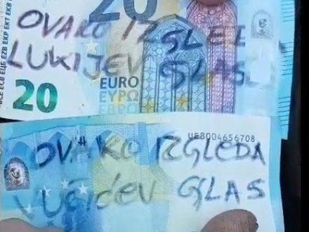 Погледајте како је пред свима вратио новац Вучићу! (видео)