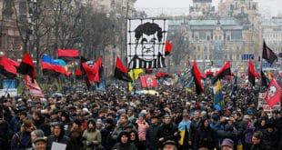 Масовне демонстрације Сакашвилијевих присталица у центру Кијева (видео)