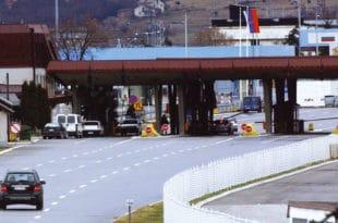 На граничном прелазу Градина ухапшено 12 цариника и шест полицајаца