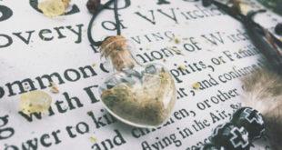 Магијско порекло накита, шминкања и тетовирања