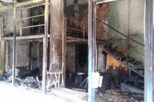 """Прошло је годину дана од паљења просторијa """"Отаџбинe"""" у Косовској Митровици"""