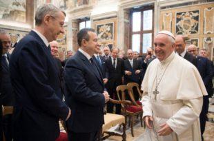 Ивица Дачић се састао са папом 10