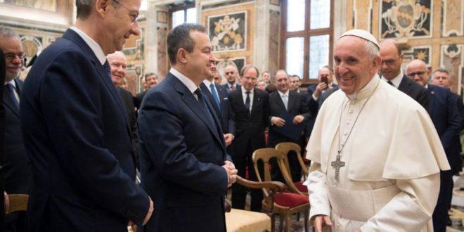 Ивица Дачић се састао са папом