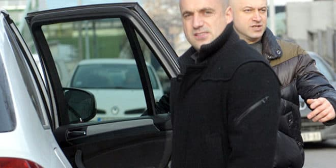 Звонко Веселиновић, Милан Радоичић и њихови пословни партнери приватизацијом три предузећа до уносног посла за ЕПС
