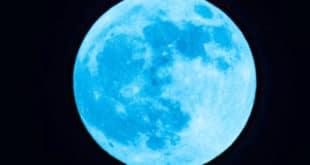 Месец – крвав, плав, па невидљив