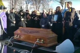 Сахрањен Оливер Ивановић (фото, видео) 10