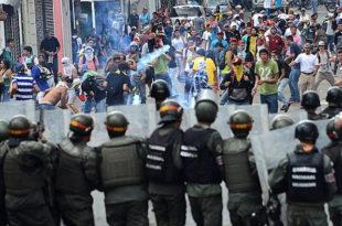 Венецуела: Протести због недостатка хране, троје мртвих 15