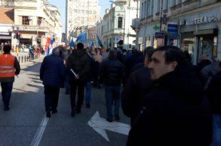 Крагујевац: Застава оружје у штрајку, траже бонус и неће приватизацију