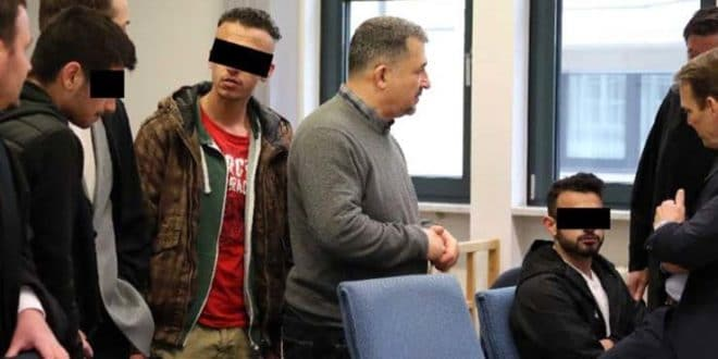 НЕМАЧКА У ШОКУ: Мигранти групно силовали девојчицу од 13 година, додељена им условна казна!