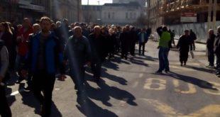 Штрајк фабрике оружја Крагујевац.. против приватизације... 7