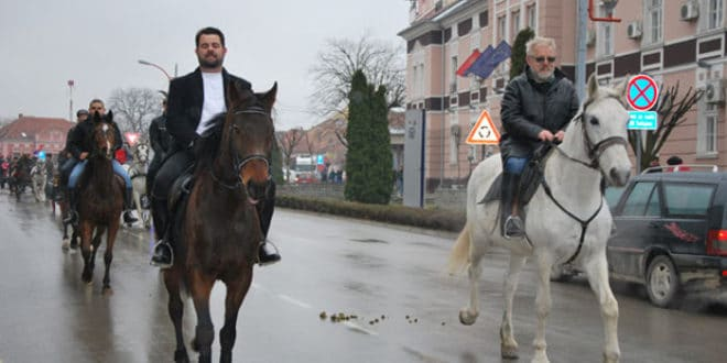 Коњи поново јуре Ресавом