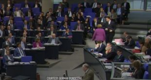НИЈЕ ЗНАЛА ШТА ЈЕ СНАШЛО: Након критика опозиције Меркелова буквално побегла са саднице! (видео) 6
