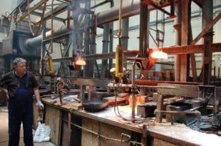 Пад индустријске производње у августу за 4,3 одсто