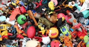 Све више фалсификованих слаткиша и играчака