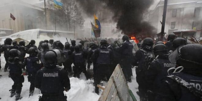 Украјина: Опет хаос у Кијеву, преко 100 ухапшених (видео) 1