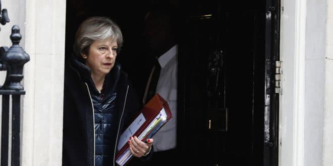 Британија прекида све билатералне контакте са Русијом и протерује 23 руских дипломата 1