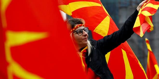 Македонија на прагу нових сукоба: Народ опкољава Собрање 1