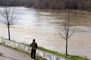 Киша и град у Јагодини, водостај Мораве и даље расте 3