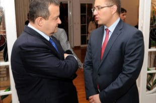 Тајкунско-лоповска коалиција СНС и СПС остају тандем у Београду 6