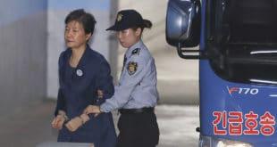 Бивша председница Јужне Кореје осуђена на 24 године затвора 10