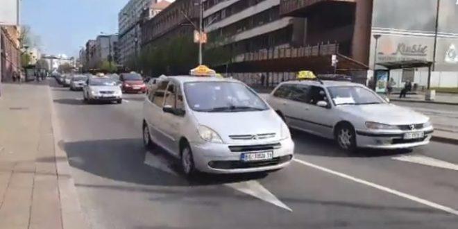 Масован штрајк и протест таксиста у БГД о коме на јавном сервису ни речи?! (видео)