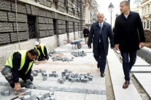 Београд: Као не зна се ко је крив за коцке на Тргу Републике