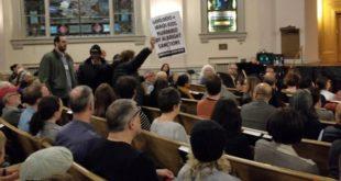 """""""Ремзи Кларк"""" испрашио Олбрајтову у Њујорку: """"Фашисто! Масовни убицо!"""""""