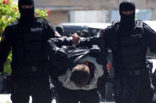 Хоћемо ли вратити опљачкану народну имовину и казнити мафије које су сатрле Србију?
