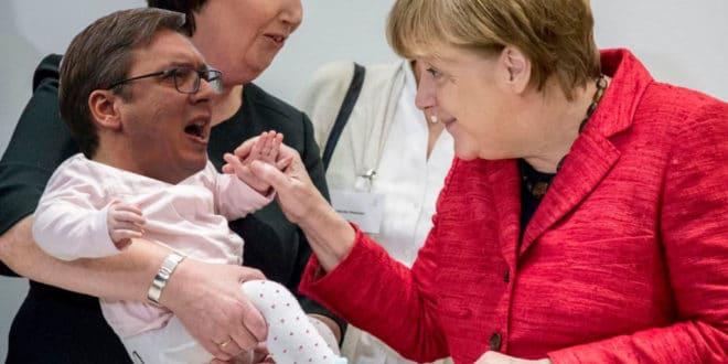 Вучић и Меркелова кувају се у истом лонцу: Две маме, а без тате