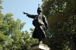 У ЧАСТ СРПСКОГ УСТАНКА: Грађани Пожаревца подигли споменик кнезу Милошу
