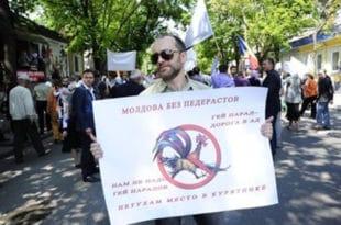 Брука: У Молдавији одржана содомитска парада, полиција на рукама носила православце који су покушали да је спрече (видео)