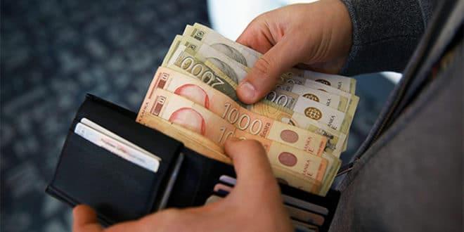 Србија: Половина запослених ради за плату мању од 320 евра! 1