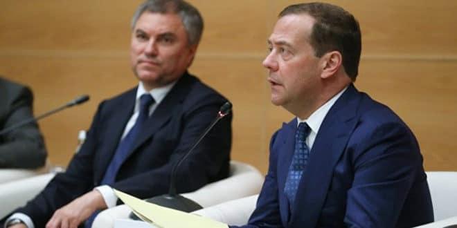 Медведев за свог заменика предложио Антона Силуанова