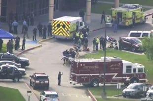 Пуцњава у школи у САД: Ушао у учионицу и решетао, десеторо мртвих