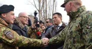 Командант Кфора: НАТО не планира смањење броја војника на Косову 7