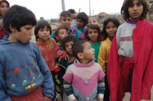 Отворена дискриминација српске деце како би помогли Циганима
