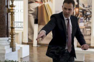 Мали упропастио финансије Београда и одмах аванзовао у владу!