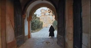 """Документарни филм """"Уска врата"""" - манастир Грачаница у зло време (видео) 2"""