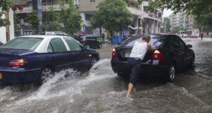 Жестока олуја у Солуну, цео град под водом (видео)