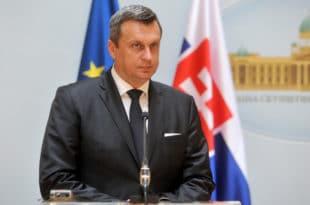 Андреј Данко: Србија треба да сачува воду, земљу, минерале и не треба да продаје своја кључна предузећа - немојте да поновите наше грешке