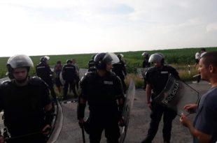 Протести због високе цене горива широм Србије, а једини одговор власти - вређање народа