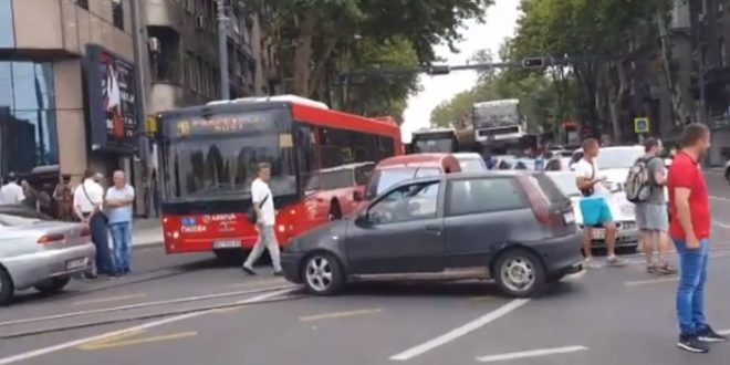 У Београду поново блокирана Славија у знак протеста због високих цена горива (видео) 1